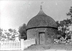 2001-070-0590-07powder_house